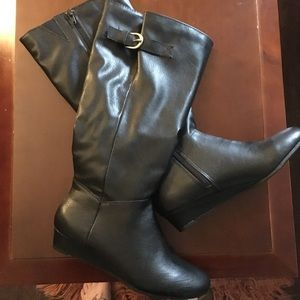Style & Co. black knee high zip up boots 6.5